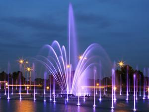 Multimedialny Park Fontann to jedna z największych wiosennych atrakcji Warszawy