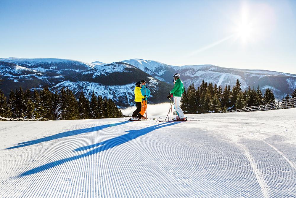 Narty w Czechach. Szpindlerowy Młyn to jeden z największych ośrodków narciarskich w Karkonoszach